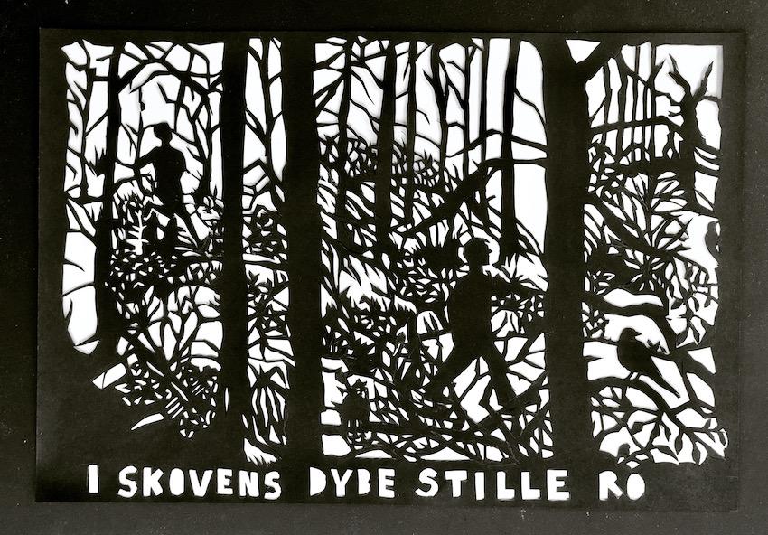 Sort Papirklip Over Sangen 'I Skovens Dybe Stille Ro'
